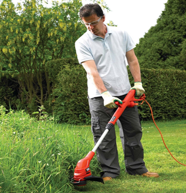 Máy cắt cỏ bằng điện có những ưu điểm và nhược điểm như thế nào?